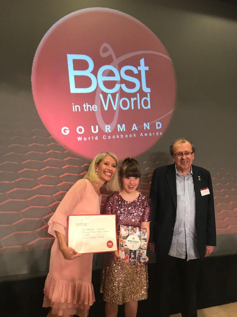WIR GEWINNEN DEN BEST IN THE WORLD AWARD IN MACAU